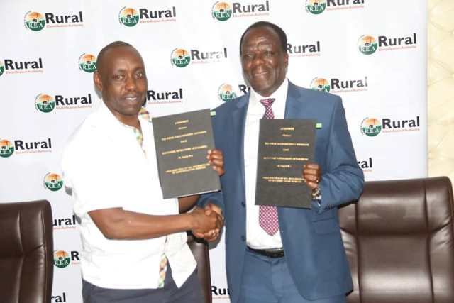 GOVERNOR SIGNS MoU WITH RURAL ELECTRIFICATION AUTHORITY