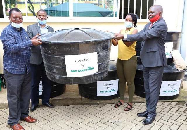 COUNTY RECEIVES WATER TANKS FROM ONE ACRE FUND TO ASSIST IN THE FIGHT AGAINST COVID-19